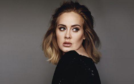 Adele évoque sa dépression après la naissance de son fils